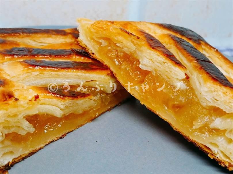 ホットサンドメーカーで焼いた後のアップルパイ