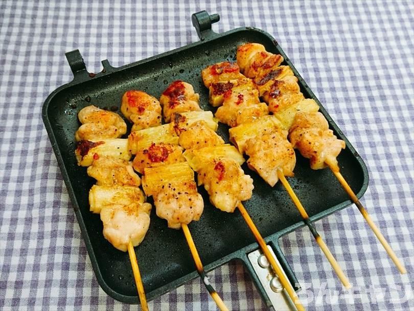 ホットサンドメーカーで焼いた焼き鳥(ネギマ串)