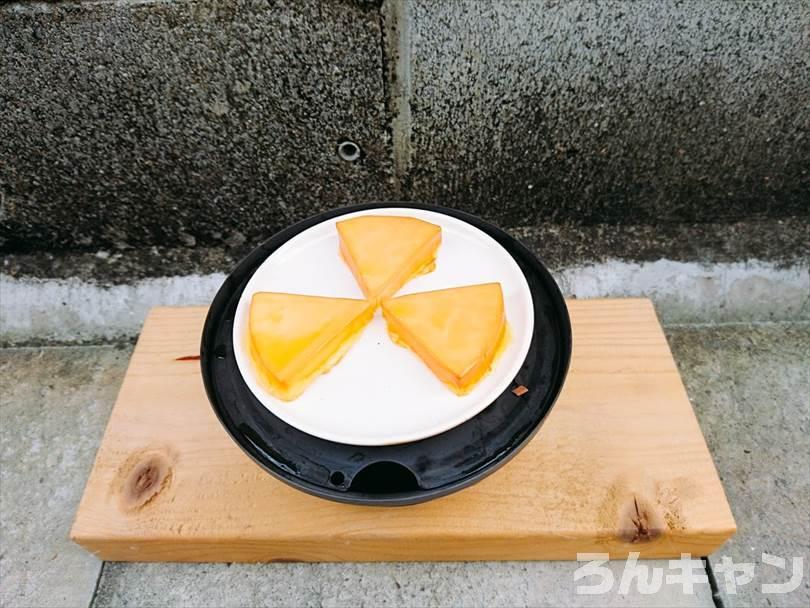 燻製器でスモークしたチーズ