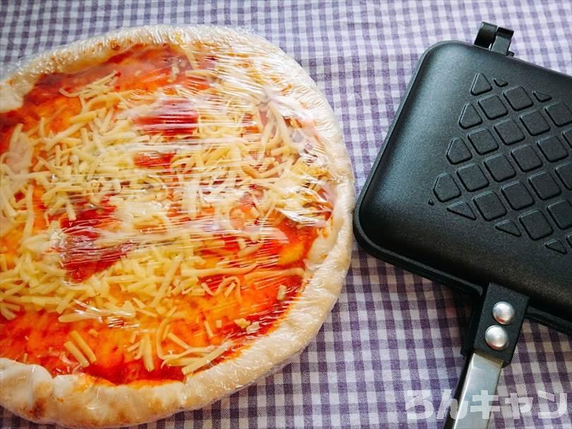チルドピザとホットサンドメーカー