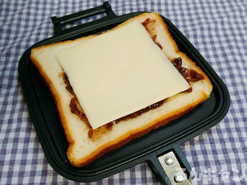 あんことチーズのスイーツ系ホットサンド