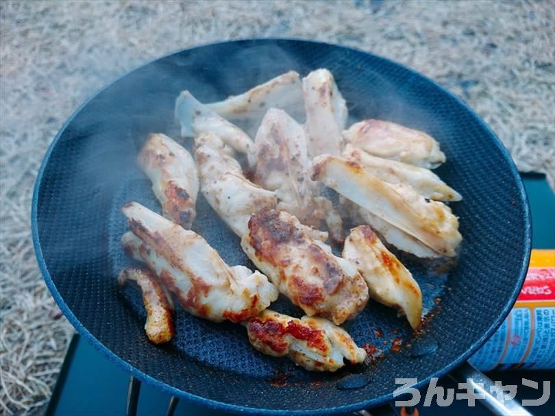 キャンプでマキシマムヤゲン軟骨を焼く