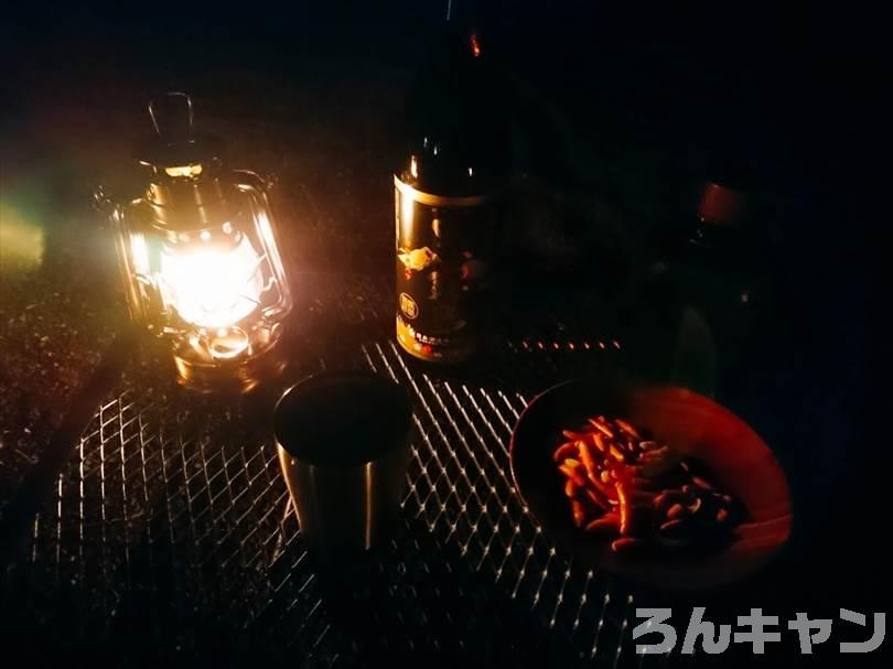キャンプでYOLER(ユーラー) メッシュテーブル・L(焚き火テーブル)を使う