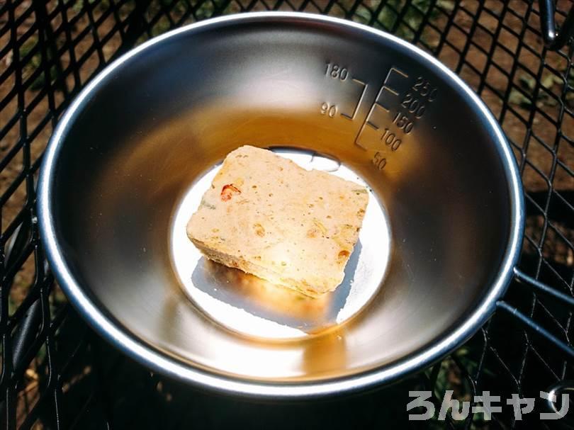 【キャンプ飯】無印良品の豚汁が具だくさんで美味しい|1分で本格的な味わいに大満足