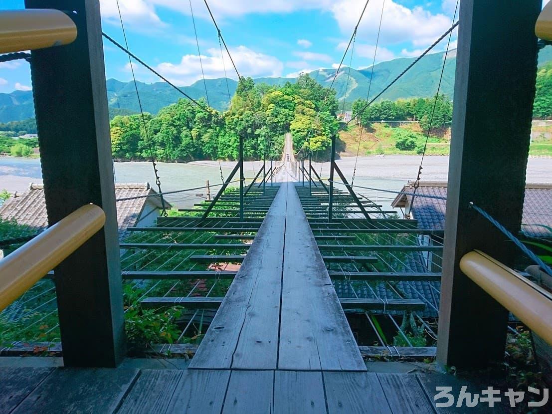 【ゆるキャン△聖地巡礼】塩郷の吊橋「民家の真上を通る吊り橋」(11巻・第63話)